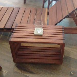 Mesa lateral de madera para exterior- arkideck
