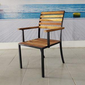 Silla de madera y acero para terraza- arkideck